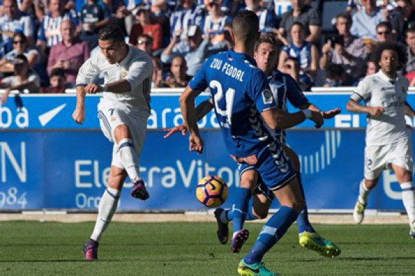 Real Madrid uz hat-trick Cristiana Ronalda do pobjede u Vitoriji